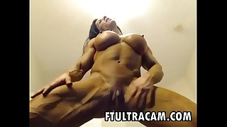 Big Female Bodybuilder masturbating in cam